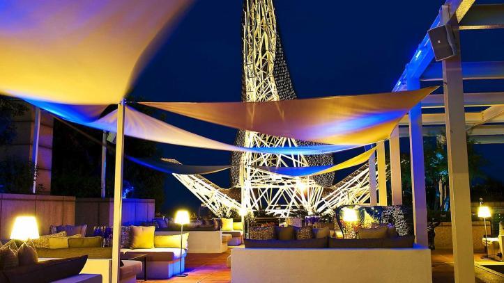 arola-terrace-at-night-1200